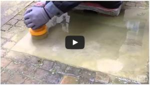 Moos von Sandstein entfernen ohne Chemie